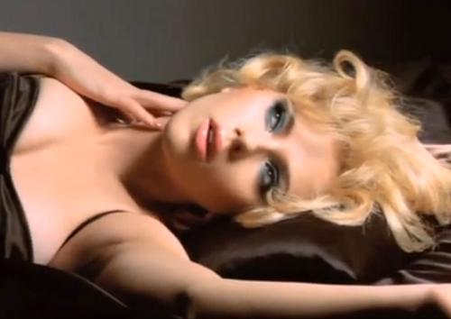 Scarlett Johannson Dolce Gabbana
