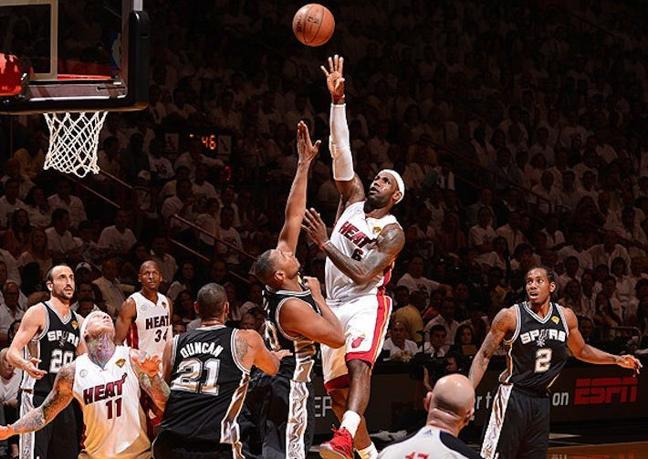 Miami Heat remporte le titre avec LeBron James