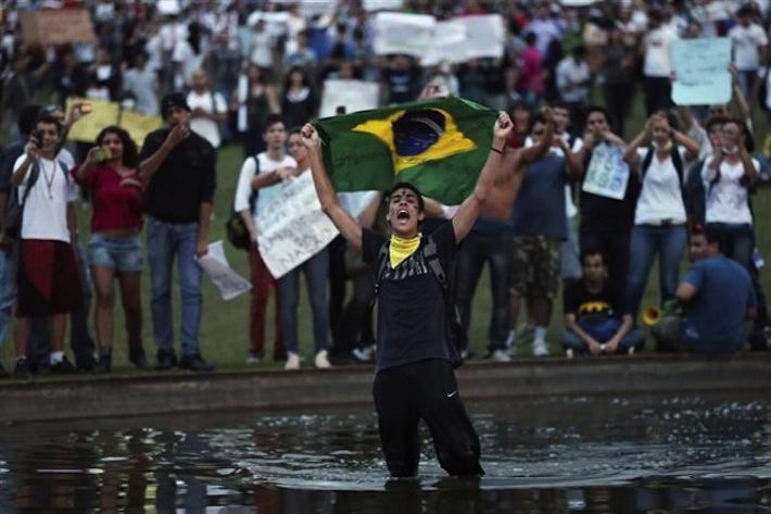 Manifestations sociales au Brésil